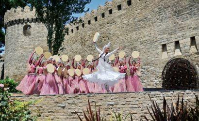 Aserbaidschan Reiseziele Der Seidenstrasse Turkestan Travel